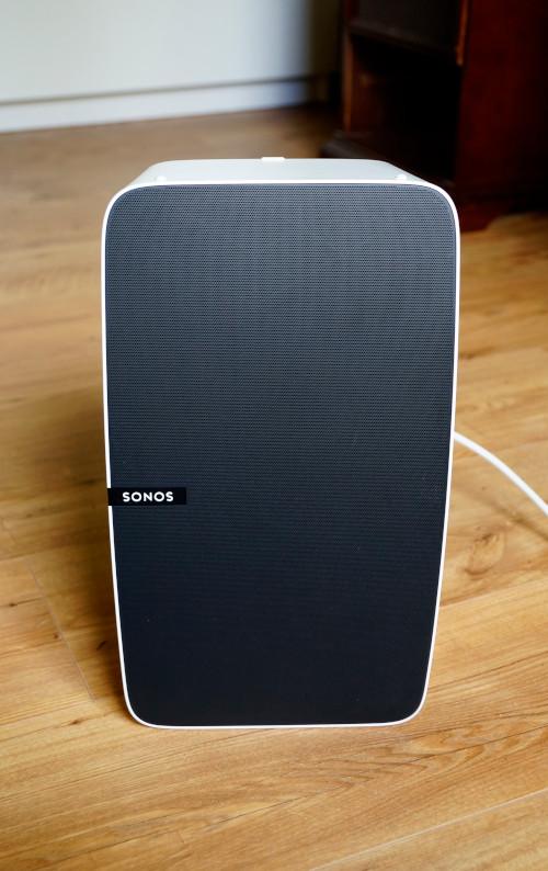 Sonos Play:5 hochkant